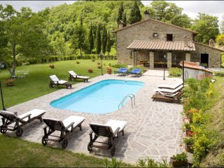 5 bedroom Villa in Misciano, Tuscany, Italy : ref 5241107