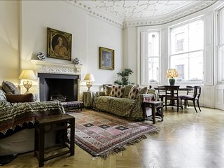 Aristocratic luxury 2 bed 2 bath in Knightsbridge