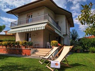 4 bedroom Villa in Forte dei Marmi, Tuscany, Italy : ref 5240995