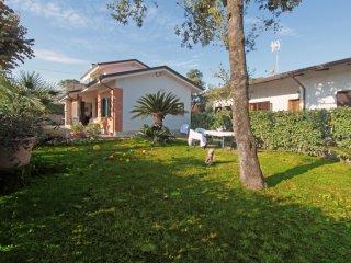 5 bedroom Villa in Forte dei Marmi, Tuscany, Italy : ref 5241007
