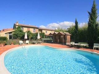 2 bedroom Villa in Lido di Camaiore, Tuscany, Italy : ref 5240765