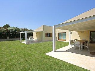 5 bedroom Villa in San Teodoro, Sardinia, Italy : ref 5240706