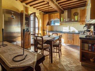2 bedroom Apartment in Asciano, Tuscany, Italy : ref 5240659