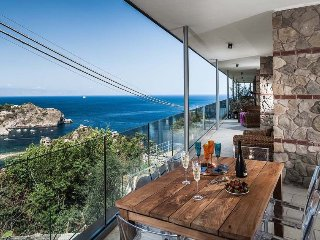 3 bedroom Apartment in Taormina, Sicily, Italy : ref 5240599