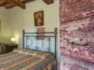 6 bedroom Villa in Campoleone, Tuscany, Italy : ref 5240072