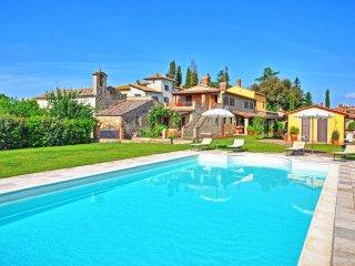 4 bedroom Villa in Arezzo, Tuscany, Italy : ref 5240002