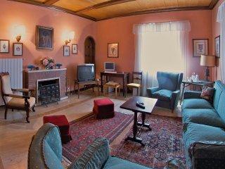 8 bedroom Villa in San Concordio di Moriano, Tuscany, Italy : ref 5239952