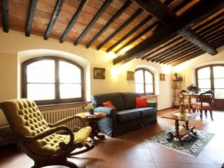 4 bedroom Villa in Bettolle, Tuscany, Italy : ref 5239812