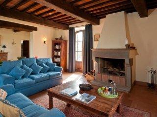 8 bedroom Villa in Gabbiano, Tuscany, Italy : ref 5239260