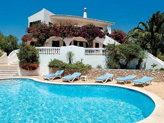 4 bedroom Villa in Valverde, Faro, Portugal : ref 5239043