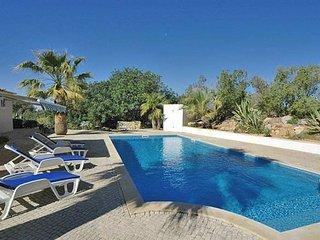 Estombar Villa Sleeps 12 with Pool Air Con and WiFi - 5239009