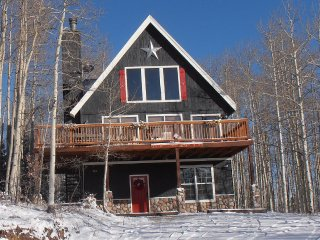 Aspen Grove Cabin- 4 bedroom/3 bathrooms
