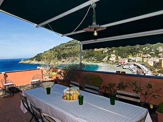 3 bedroom Villa in Bonassola, Liguria, Italy : ref 5238291