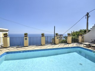 Praiano Holiday Home Sleeps 6 with Pool Air Con and WiFi - 5228351