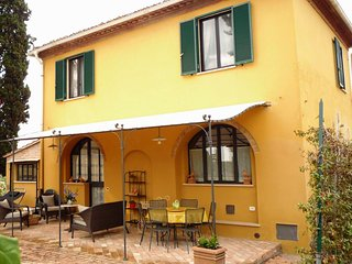 3 bedroom Villa in Siena, Tuscany, Italy : ref 5227195