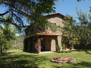 Sant'Angiolo Villa Sleeps 8 with Pool Air Con and WiFi - 5227194