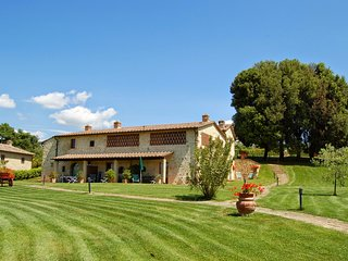 8 bedroom Villa in Barberino Val d'Elsa, Tuscany, Italy : ref 5227067