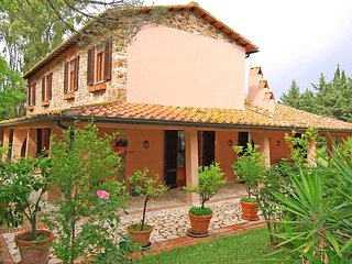 4 bedroom Villa in Massa Marittima, Tuscany, Italy : ref 5227049