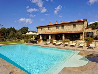 7 bedroom Villa in Fonte Sant'Angelo, Umbria, Italy : ref 5227045