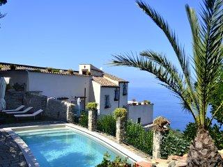 5 bedroom Villa in Torre Annunziata, Campania, Italy : ref 5226967