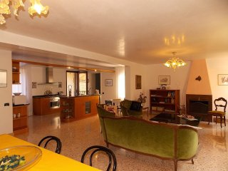 3 bedroom Apartment in Sestiere di Cannaregio, Veneto, Italy : ref 5226959