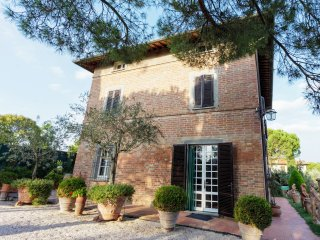 Villa Contea Valentini Holiday Home Sleeps 12 with Pool - 5226931