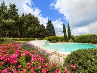 2 bedroom Villa in Barberino Val d'Elsa, Tuscany, Italy : ref 5226843