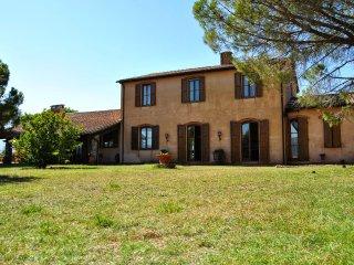 4 bedroom Villa in Massa Marittima, Tuscany, Italy : ref 5226834
