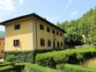 5 bedroom Villa in Poggiolo-Salaiole, Tuscany, Italy : ref 5226827