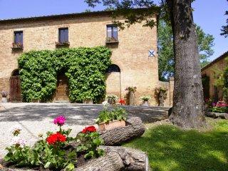 5 bedroom Villa in Monteroni d'Arbia, Tuscany, Italy : ref 5226829