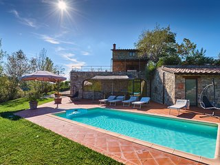Monteluco Villa Sleeps 8 with Pool Air Con and WiFi - 5226824