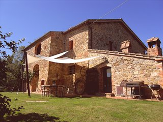 3 bedroom Villa in Bettolle, Tuscany, Italy : ref 5226779