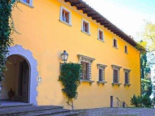 10 bedroom Villa in Il Palazzo, Tuscany, Italy : ref 5226790
