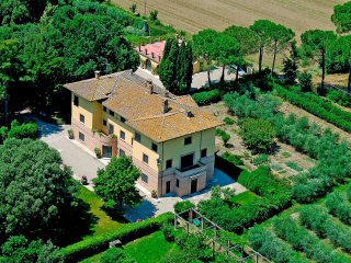 San Martino in Colle Villa Sleeps 18 with Pool and WiFi - 5226693