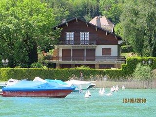 SEVRIER, Maison 250 m2, accès direct au lac, ponton et boucle à bateau, jardin,