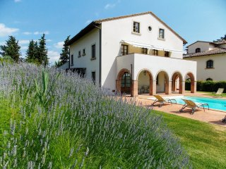 5 bedroom Villa in Luiano, Tuscany, Italy : ref 5226618
