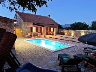 3 bedroom Villa in Mratovo, Šibensko-Kninska Županija, Croatia : ref 5223046