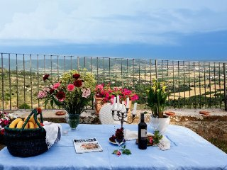 2 bedroom Villa in Cortona, Tuscany, Italy : ref 5218573