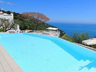 7 bedroom Villa in Marina del Cantone, Campania, Italy : ref 5218526