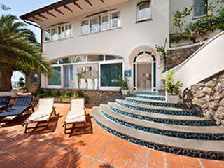 5 bedroom Villa in Marina del Cantone, Campania, Italy : ref 5218524