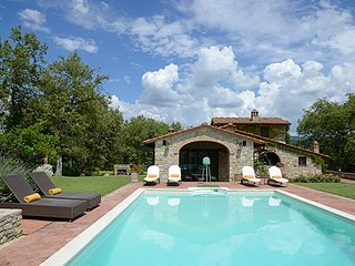 4 bedroom Villa in Gaiole in Chianti, Tuscany, Italy : ref 5512061