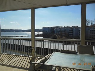 Great Waterfront Walk-in Unit