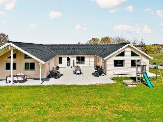 8 bedroom Villa in Bøtø By, Zealand, Denmark : ref 5058645