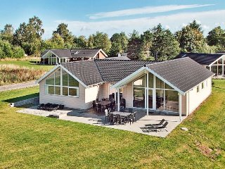 6 bedroom Villa in Tisvildeleje, Capital Region, Denmark : ref 5058063