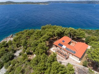 4 bedroom Villa in Veli Drvenik, Croatia - 5056284