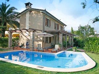 3 bedroom Villa in Forte dei Marmi, Tuscany, Italy : ref 5055099