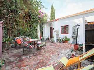 Hollywood Hills 2BR 1924 Spanish Cottage w/ Private Courtyard & Views