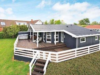 4 bedroom Villa in Rønde, Central Jutland, Denmark : ref 5052814