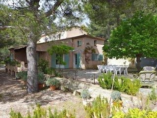 5 bedroom Villa in Bandol AOC, Provence-Alpes-Cote d'Azur, France : ref 5051501