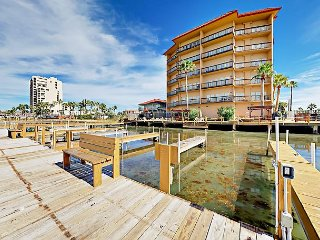 Updated 2BR Condo w/ Pool, Hot Tub, & Pier - Enjoy 5th-Floor Bay Views!